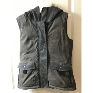 Kuhl Women's Small Arktik Down Vest Carbon Gray